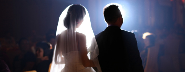 數盡遇過婚禮司儀講錯嘢一刻 網友:一秒炒起個場!