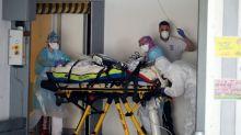 Un car de patients atteints du coronavirus obligé de faire demi-tour
