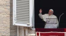 Papa: Dio si prende cura di noi a partire da piccoli e bisognosi