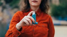 Why are asthma deaths so high for young people in the UK?
