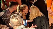 La épica noche de Adele y Jennifer Lawrence en un bar gay