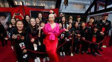Christina Aguilera eclipsa a la protagonista de 'Mulán' en la premiere de Los Ángeles