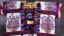 Marca australiana plagia diseños oaxaqueños, pide disculpas y los retira de su tienda