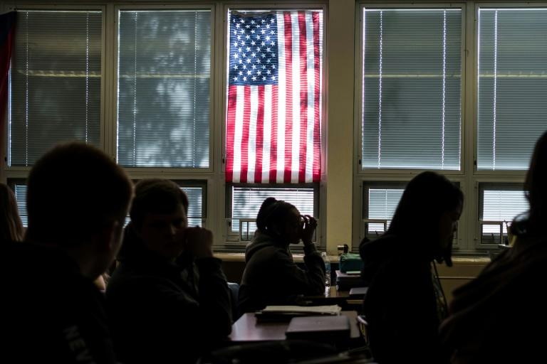 Students sit in class at Sidney High School (AFP Photo/Megan JELINGER)
