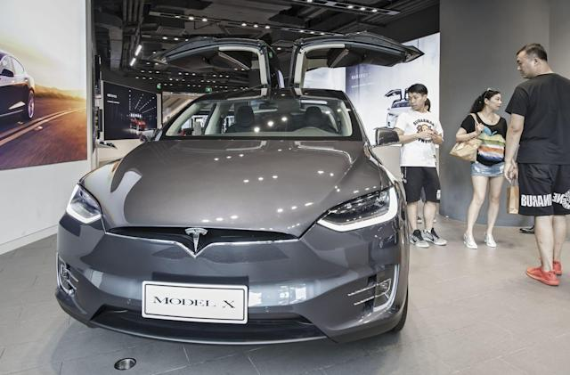 Tesla reportedly lands deal to build an EV factory in Shanghai