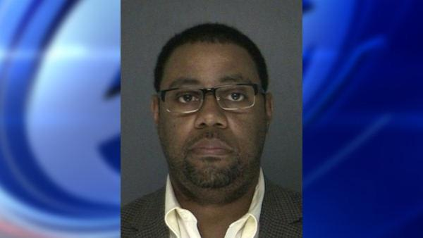 Assistant principal accused of sending inappropriate texts