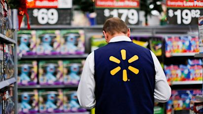 Walmart reports best sales growth in a decade
