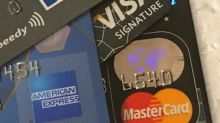 疫情重創消費 四月刷卡減幅創新高