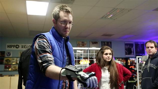 Filmmakers turn to Kickstarter to finish their Power Glove documentary