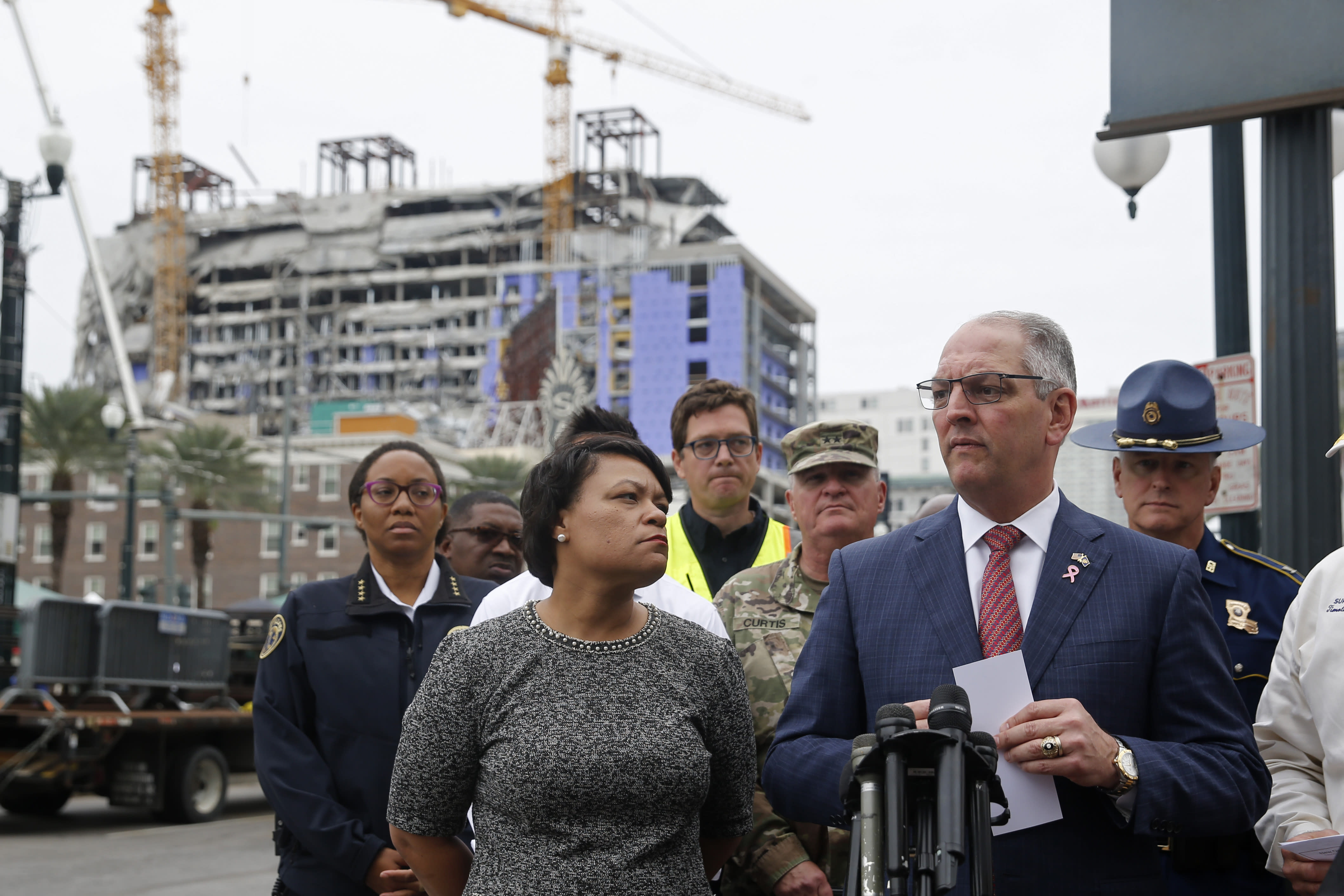 Threat of winds delay demolition of New Orleans cranes