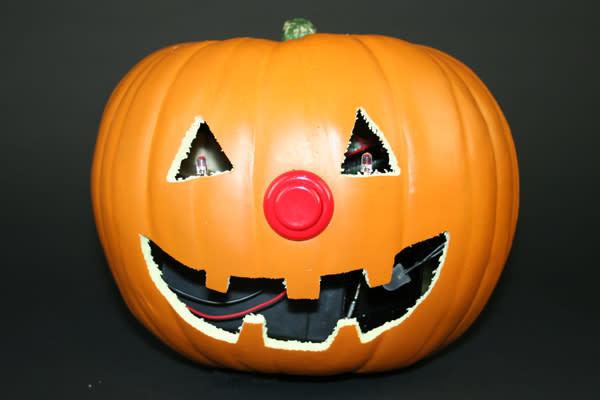 Arduino-based pumpkin promises to scare off trick-or-treaters