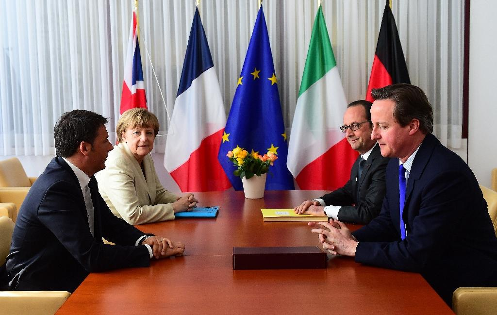 (L-R) Italian Prime Minister Matteo Renzi, German Chancellor Angela Merkel, French President Francois Hollande and British Prime Minister David Cameron (AFP Photo/Emmanuel Dunand)