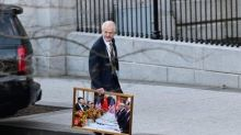 Can Trump officials take souvenirs? White House aides slammed over 'illegal' removal of government artwork