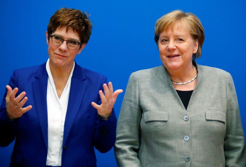фото меркель с мюнтеферинг выравнивали зубы хуже
