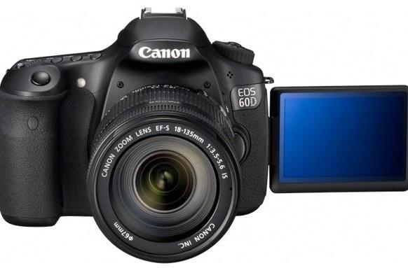 Canon's 60D impresses reviewers, but a challenger approaches (video)