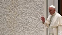Für Papst Franziskus sind Homo-Paare keine Familien – so reagiert das Netz