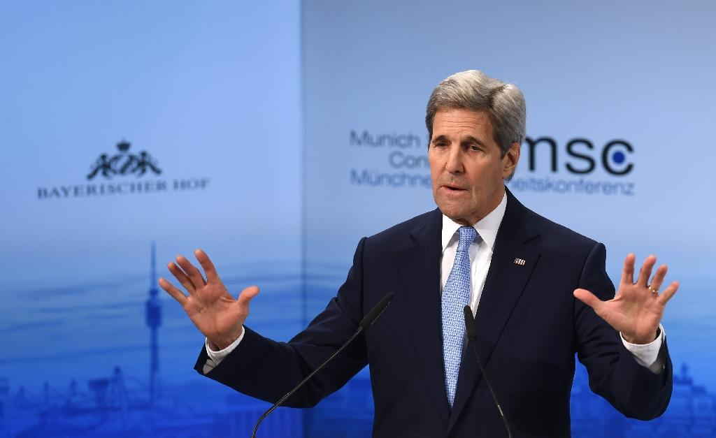 US Secretary of State John Kerry speaks during the second day of the 52nd Munich Security Conference on February 13, 2016 (AFP Photo/Christof Stache)