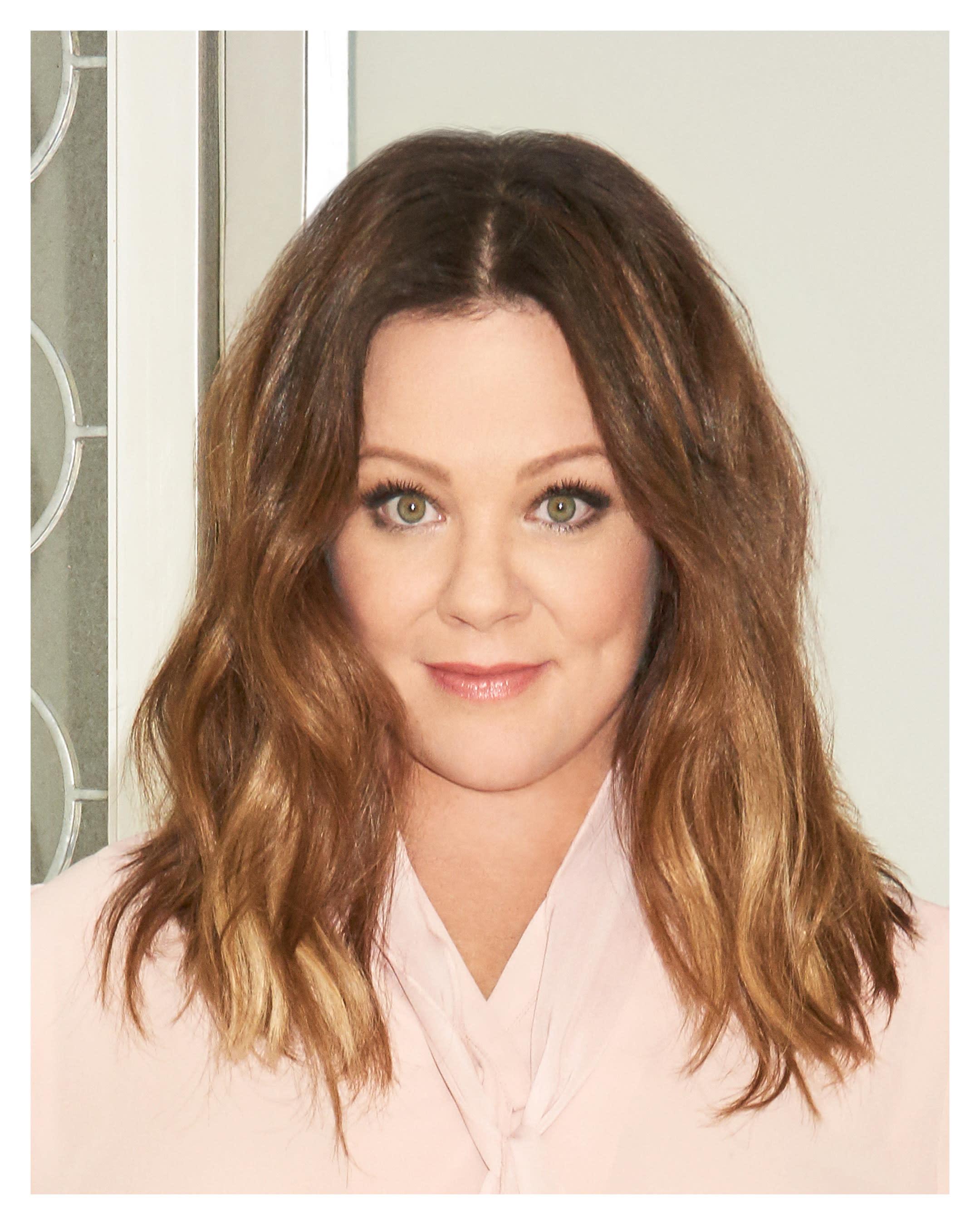 Melissa Mccarthy Wins Hair And Makeup Award For