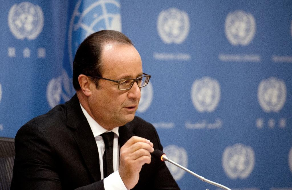 French President Francois Hollande speaks on French intervention in Syria during the 70th UN General Assembly on September 27, 2015 in New York (AFP Photo/Alain Jocard)