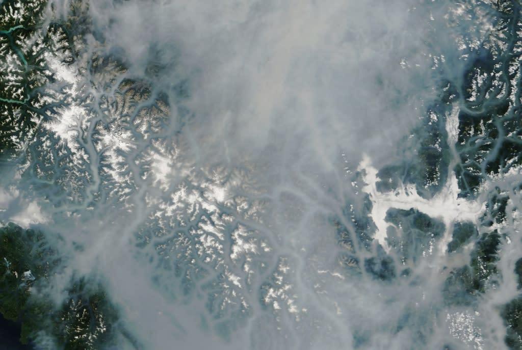 дым фото со спутника