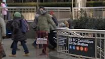 New York's outdoor workers find ways to stay warm