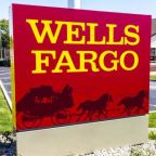 Wells Fargo Shares Plunge as Q4 Revenue Disappoints