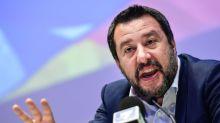 Salvini ora vuol fare Re Leone: ma sbaglia orario, film e sala