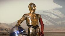 Here's Why C-3PO Has A Red Arm In Star Wars: The Force Awakens
