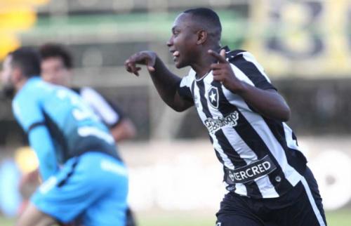A bronca de Jair, o retorno de Sassá e a nova disputa no ataque do Botafogo