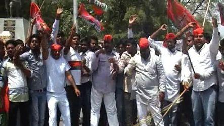 SP workers stage protest against Beni, Ajit Singh