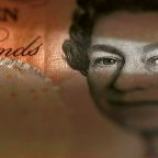 Pound weakens as May's faces resistance for three-month Brexit extension