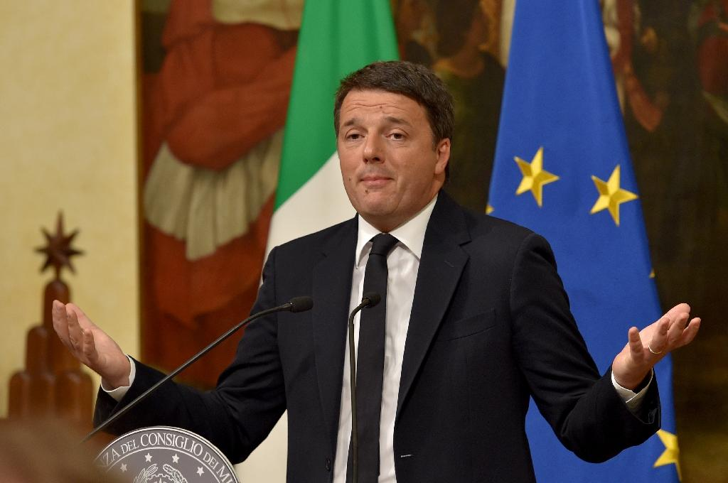 Italy's Prime Minister Matteo Renzi gives a press conference at the Palazzo Chigi on December 4, 2016 in Rome (AFP Photo/Andreas SOLARO)