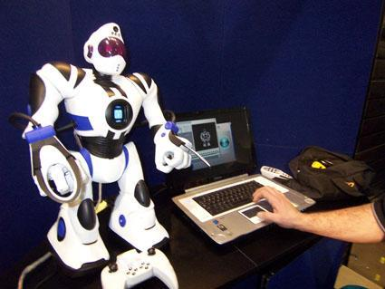 Program  your Robosapien with new Go-Robo software