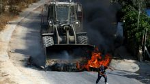 Palestinians die in new clashes over Jerusalem holy site