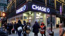Los bancos de EEUU están 'nadando en dinero' gracias a la pandemia