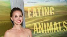 Eating Animals: Natalie Portman verdrückt scharfe Wings vor der Kamera