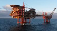 Oil price rise helps FTSE 100 climb to new record high