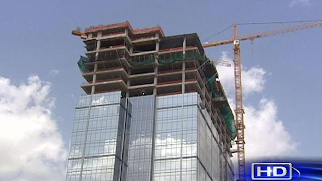 Tallest building in The Woodlands topped off