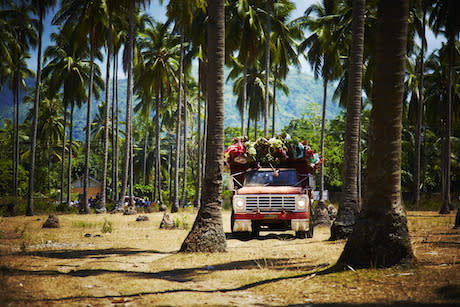 """<p>To create the grand-scale bouquet, Azuma and his staff piled a truck high with blooms and drove it to the calm cobalt waters of Hinoba-an Sea, off Negros Island in the Philippines. (Photo: <a href=""""http://azumamakoto.com/"""" rel=""""nofollow noopener"""" target=""""_blank"""" data-ylk=""""slk:Azuma Makoto"""" class=""""link rapid-noclick-resp"""">Azuma Makoto</a>)<br></p>"""