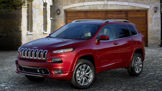 Summer driving: Edmunds' picks for Memorial Day car deals