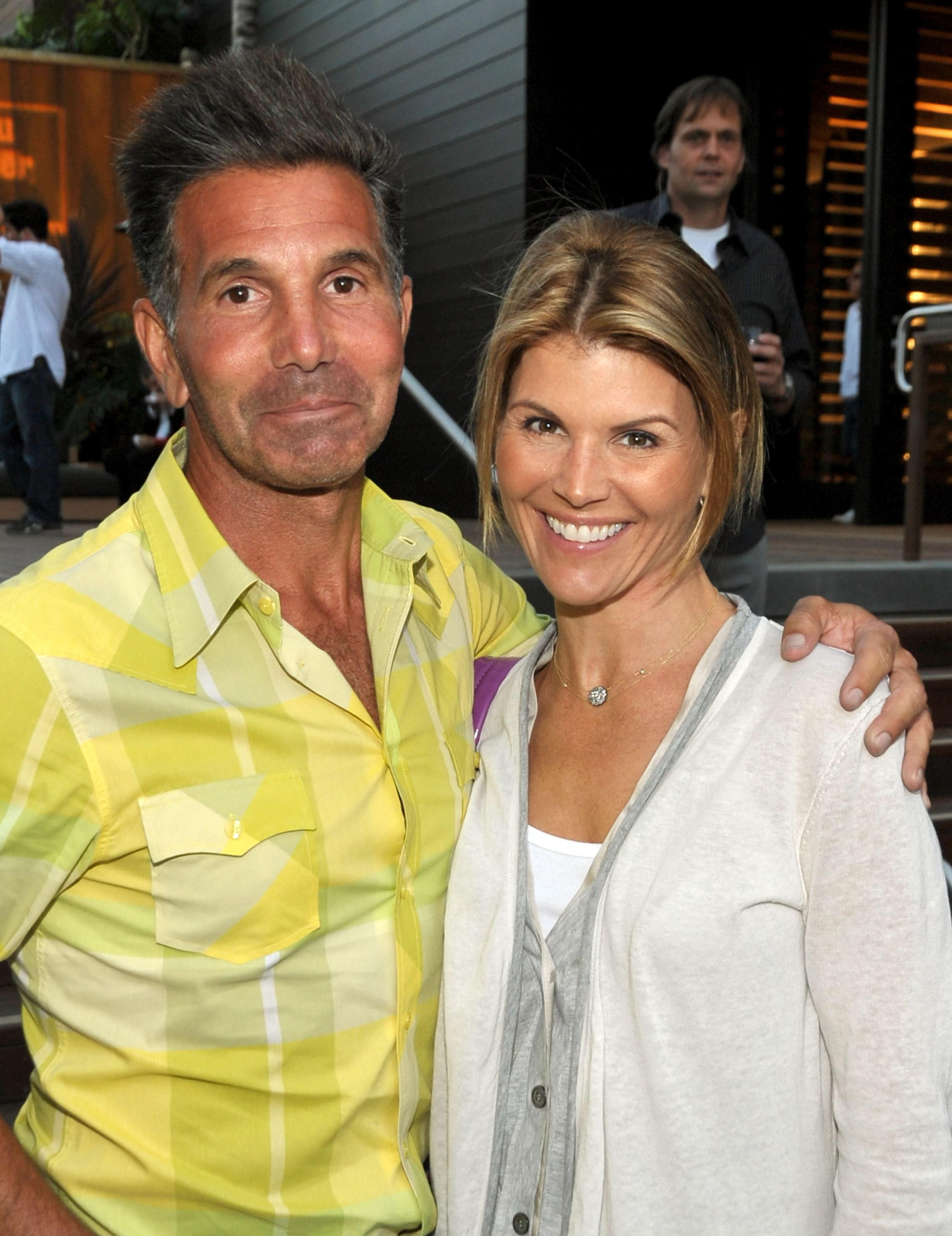 Lori Loughlin and Mossimo Giannulli Sell Bel Air Mansion