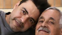 """Zezé """"não tem vontade de falar"""" após morte do pai, diz Graciele Lacerda"""