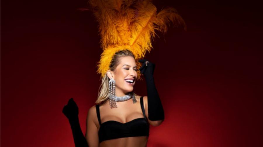 """Nunca usaria tapa-sexo"", diz Lorena Improta"
