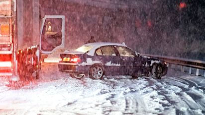 Motorway snow chaos caused by lack of cars as 'Black Monday' looms for commuters