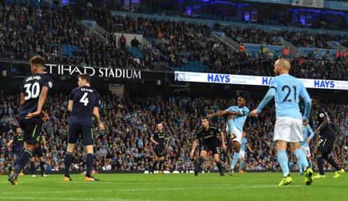 Premier League: City nur remis - Rooney trifft zum 200. Mal