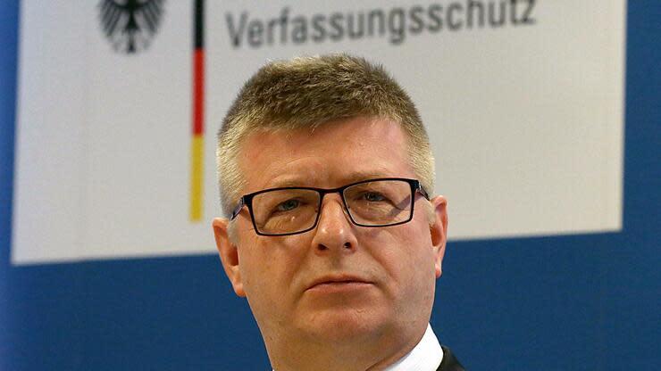 Verfassungsschutz-Chef Haldenwang wahrt Abstand zur AfD