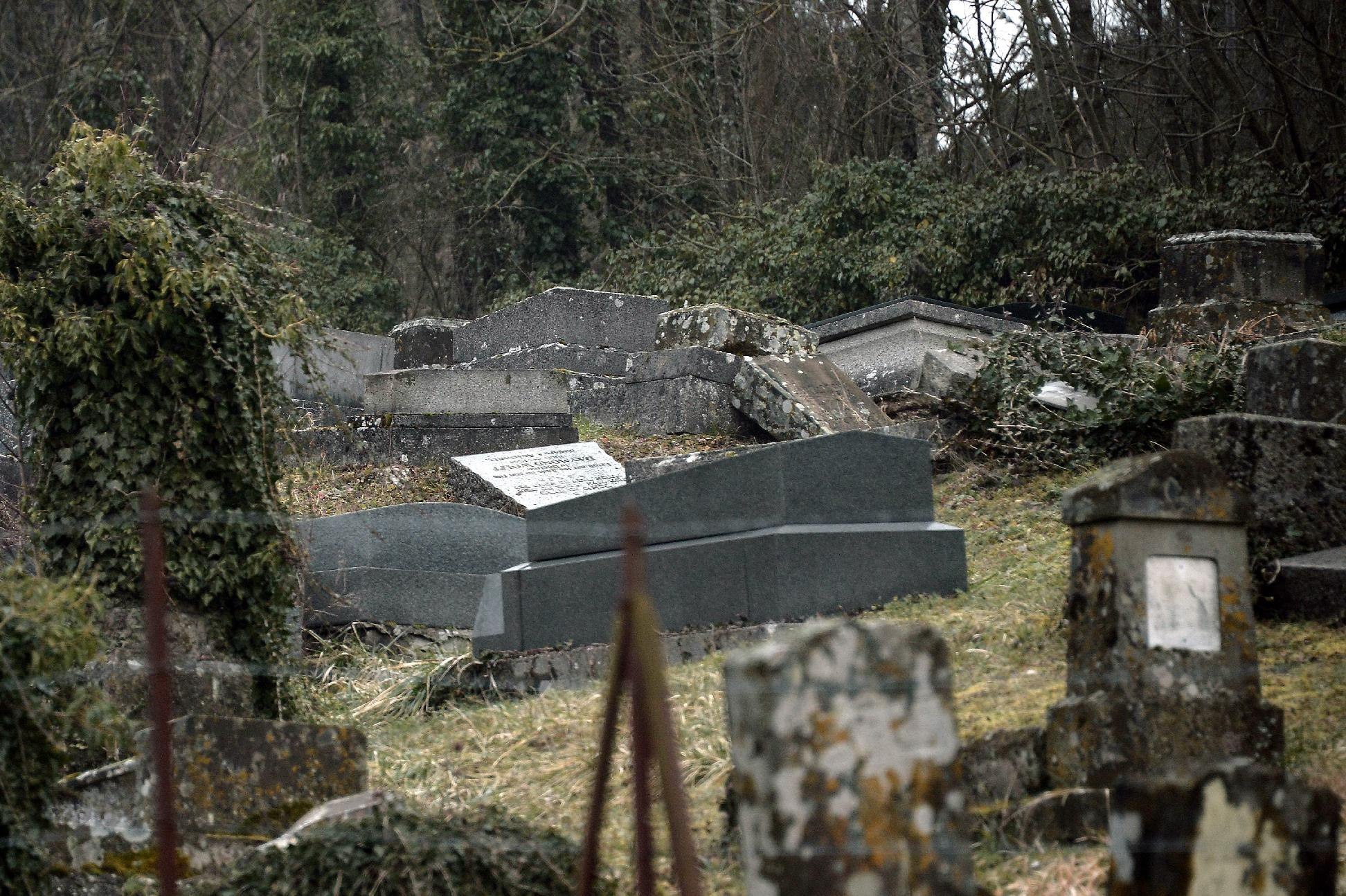 Defaced tombstones at the Jewish cemetery of Sarre-Union, northeastern France (AFP Photo/Frederick Florin)