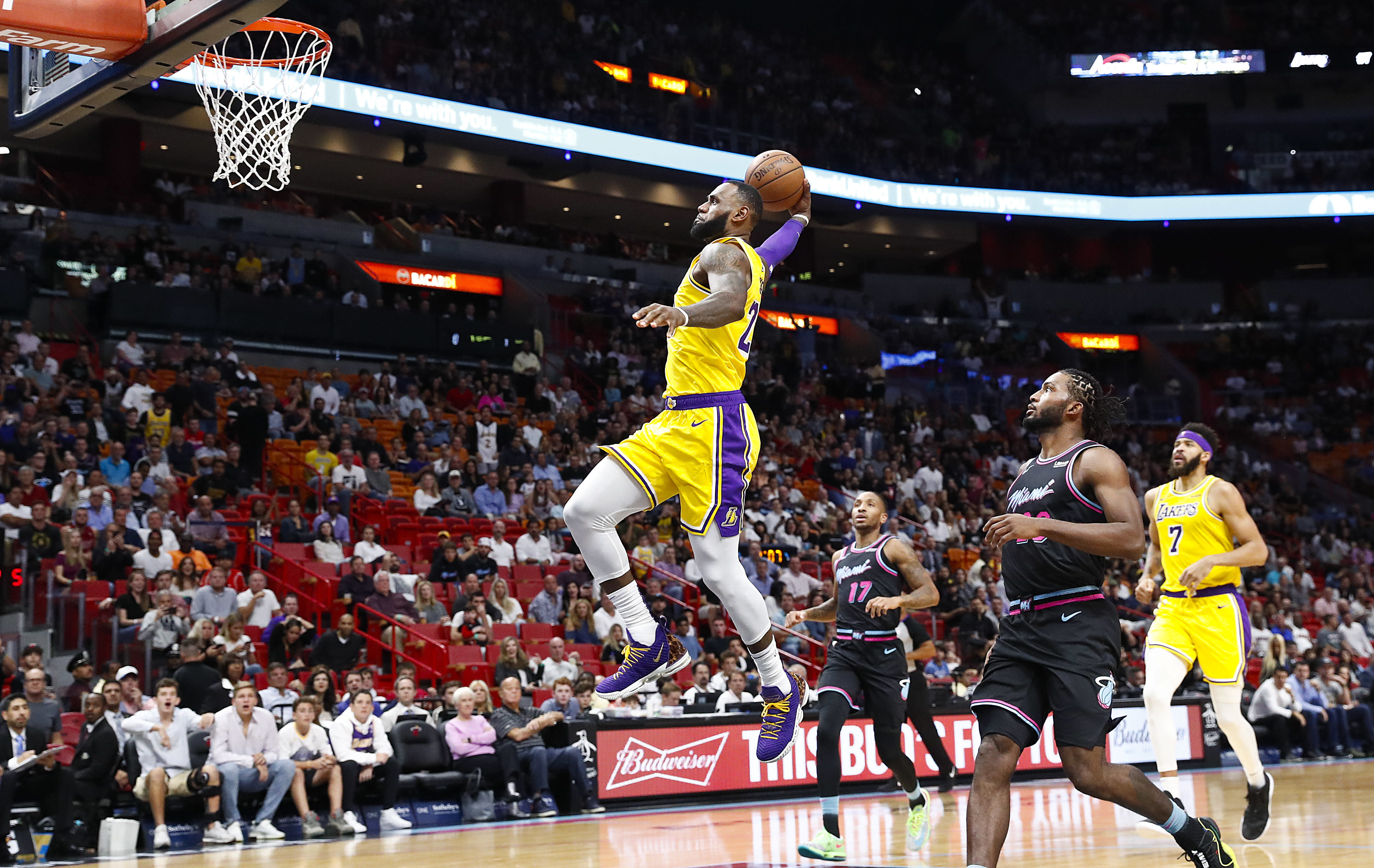 d24b517793eef LeBron James erupts for 51 points in Miami on Sunday