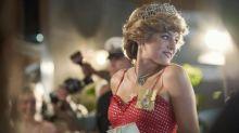 Parece otra mujer: así viste Emma Corrin en la vida normal cuando no hace el papel de Lady Di en 'The Crown'