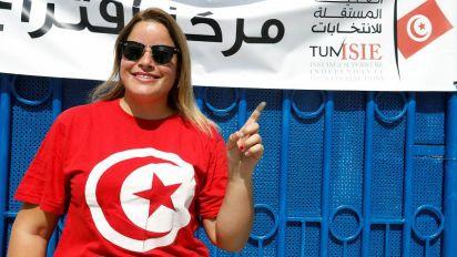 Elezioni Tunisia, exit poll: Saied e Karoui al ballotaggio